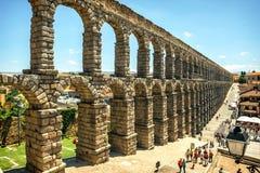 Den berömda forntida akvedukten i Segovia, Spanien Royaltyfria Bilder