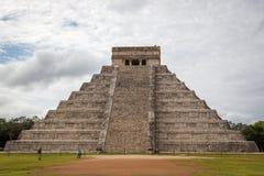 Den berömda pyramiden av Chichen Itza nära Cancun i Mexico Arkivbild