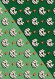 Den bet chokladkakan strilade med halva en jordgubbe Royaltyfria Bilder
