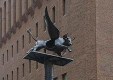 ` Den bevingade skulpturen för oxe`-brons av Henry Weber Mitchell, Philadelphia, Pennsylvania Royaltyfria Bilder