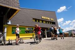 Den Bikepark starten på Planai skidar areal på Augusti 15, 2017 i Schladming, Österrike Royaltyfri Bild