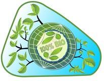 Den Bio produktetiketten i gräsplan och blått planlägger med blad, jordklotet och filialer Arkivfoto