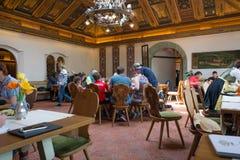 Den Birreria Forst restaurangen, Merano, södra Tyrol, Italien arkivfoto