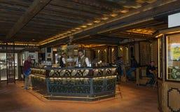 Den Birreria Forst restaurangen, Merano, södra Tyrol, Italien royaltyfri bild