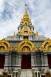 Den blåa himlen för pagodwihe Royaltyfri Foto