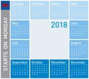 Den blåa kalendern för året 2018, vecka startar på måndag Arkivfoton