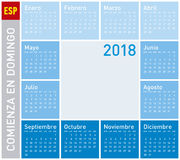 Den blåa kalendern för året 2018, vecka startar på söndag Royaltyfri Foto