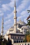 Den blåa moskén eller den Sultanahmet moskén turnerar som den berömda istanbul för blå camii moskén mest sultanahmetkalkon royaltyfria bilder