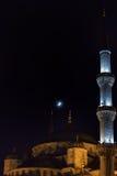 Den blåa moskén - Istanbul på natten Arkivfoto