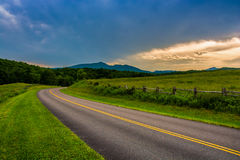 Den blåa Ridge Parkway, nära att blåsa vaggar, North Carolina royaltyfria foton