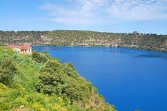 Den blåa sjön Fotografering för Bildbyråer