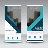 Den blåa triangeln rullar upp designen för banret för affärsbroschyrreklambladet, Co Royaltyfria Bilder