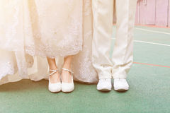 den blåa detaljblommagarteren snör åt bröllop Arkivbilder