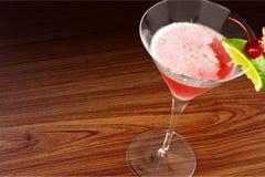 den blanda coctailen innehåller för martini för bilden eps10 den olika stordian funktionslägen Arkivbild