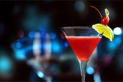 den blanda coctailen innehåller för martini för bilden eps10 den olika stordian funktionslägen Royaltyfri Bild