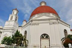 Den Blenduk Semarang kyrkan ?r en kyrka som byggdes i 1753 och ?r en av gr?nsm?rkena i den gamla staden royaltyfria foton
