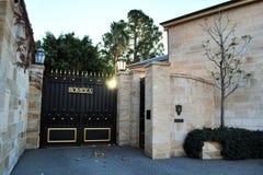 Den Bomera porten Bomera är den historiska Sydney för Italianate sandsten som herrgården lokaliseras på den Potts punkthalvön royaltyfria bilder