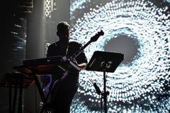 Den Bonobomusikern, producenten och discjockeyn utför i konsert på Razzmatazzklubban royaltyfri bild