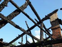 Den brända byggnaden Arkivfoto