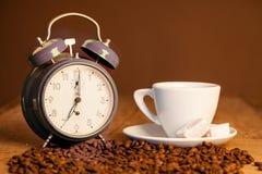 Den bra morgonen tid för kaffe, grillade kaffe och turkdeligh Royaltyfri Foto