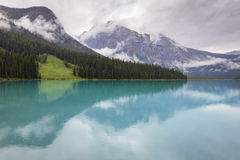 den brittiska Kanada columbia smaragdlaken lokaliserade nationalparkyoho Arkivfoto