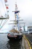 Den brittiska rojalisten för utbildningsskeppet förtöjde nära Vellamo Marine Center royaltyfria foton
