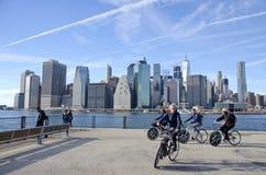 Den Brooklyn bron parkerar arkivfoto