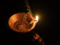 Den bästa sikten sköt av den olje- lampan för lera, Diya använde för garnering på tillfället av diwalifestivalen i Indien Fotografering för Bildbyråer