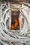 Den Buddha lufthålramen rotar väggen Royaltyfri Bild