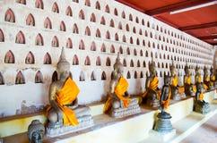 Den BuddhabildWat Si Saket templet är en forntida buddistisk tempel i Vientiane Royaltyfria Foton