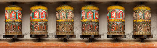 Den buddistiska meditationbönen rullar in Katmandu, Swoyamb Royaltyfri Fotografi
