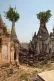 den buddistiska pagodaen fördärvar Arkivbilder