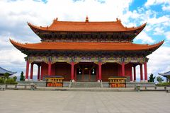 Den buddistiska paviljongen i den Chongshen kloster. Arkivbilder