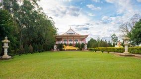 Den buddistiska templet med den jätte- Buddhastatyn i Foz gör iguacu Arkivbilder