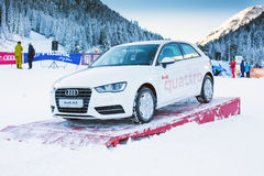 Den Bunderishka polyanaen, skidar stationen, det Audi bilpriset, Bansko, Bulgarien Arkivbild