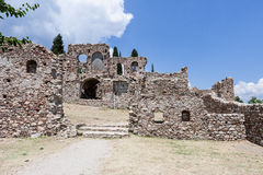 Den bysantinska kyrkan fördärvar Mystras Arkivfoto