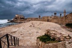 den caesarea hamnen fördärvar royaltyfri fotografi