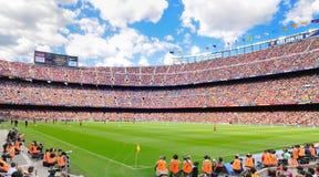 Den Camp Nou fotbollsarenan, hemmaplan till den Barcelona fotbollklubban FC, som är den 3rd största fotbollsarenan Arkivfoton