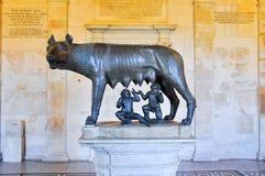 Den Capitoline vargen i Rome. Italien. Arkivbild