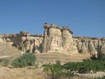 Den Cappadocia fen Chimneysvaggar formationnärliggande Goreme i Turkiet Royaltyfria Bilder