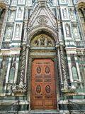 Den Cattedrale dien Santa Maria del Fiore är den huvudsakliga kyrkan av Florence, Italien Fotografering för Bildbyråer