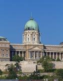 Den centrala delen av den kungliga slotten Arkivbild