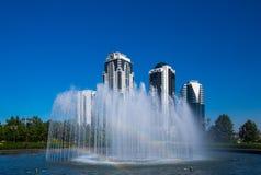 Den centrala delen av staden av Grozny Arkivfoton