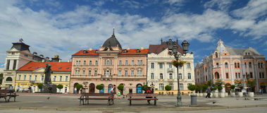Den centrala fyrkanten i Novi Sad Royaltyfria Foton