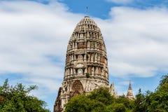 Den centrala prangen av wat Ratchaburana i Ayutthaya, Thailand Arkivfoton