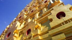 Den Chedi Phutthakhaya Buddhakhaya pagoden är en av den mest imporen Arkivfoton