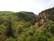Den Chernorechensky kanjonen går Royaltyfri Foto