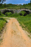 Den Chianche bron i Buonalbergo, Italien Royaltyfria Foton