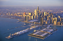 Den Chicago horisonten på soluppgång, Chicago, Illinois Arkivfoton