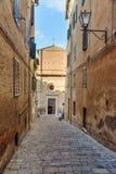 Den Chiesa dien Santa Maria i portik a Fontegiusta är romersk - katolska kyrkan i Siena italy fotografering för bildbyråer